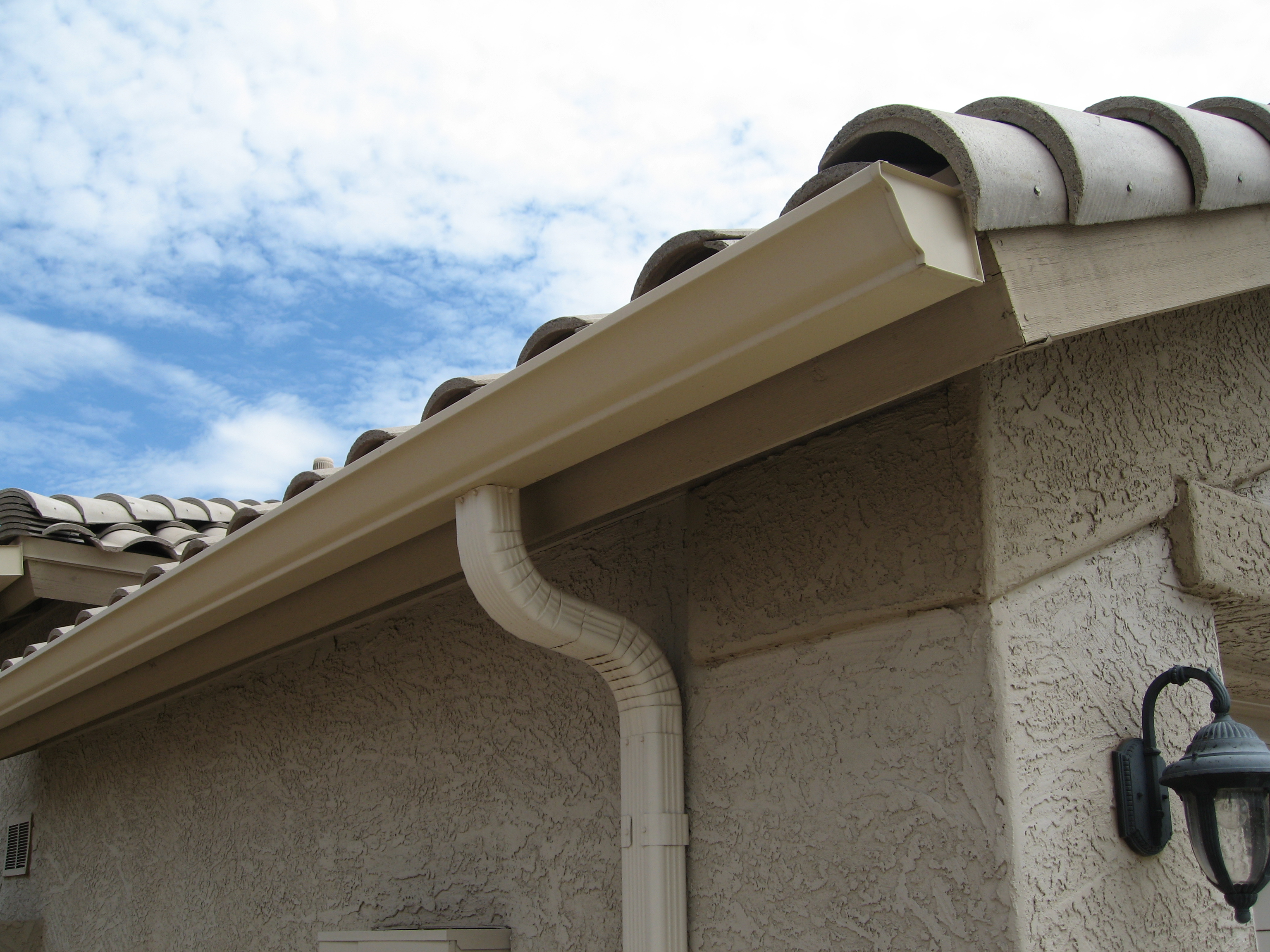 K-Style Gutter Traditional Roof