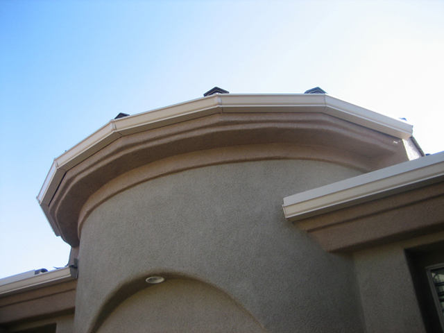 Rain Gutter on Round Main Entry